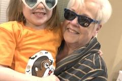 1_mom-sunglasses